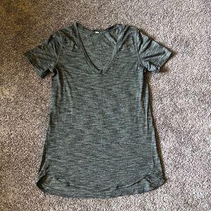 Lululemon gray top